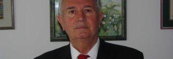 "Prvi dekan VPŠ Libertas dr.sc. Ivo Andrijanić, prof.emeritus <br /><br /><h4 style=""color: #ff6600;"">2004</h4>"